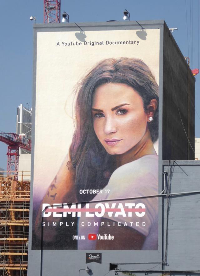 Hành Trình Bước Ra Từ Bóng Tối Demi Lovato: Simply Complicated.Diễn Viên: Demi Lovato,Marissa Callanhan,Dianna De La Garza
