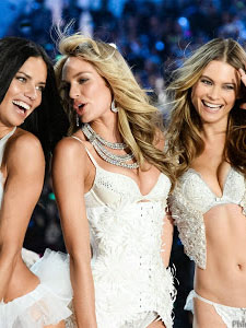 Thời Trang Nội Y Victoria 2011 - Victorias Secret Fashion Show