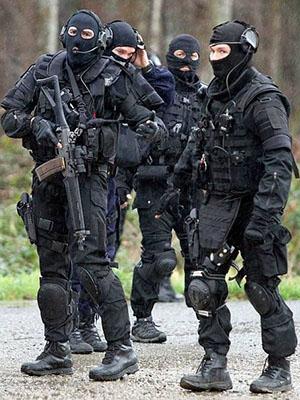 Lực Lượng Đặc Cảnh Swat.Diễn Viên: Nhậm Thiên Dã,Từ Hồng Hạo,An Nhã Bình