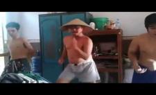 [ReUpHaivl.com] Cực hot Ba bố con nhảy Gangnam style tặng mẹ ngày 8/3